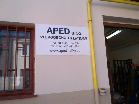 APED - průchod z ulice Bořivojova