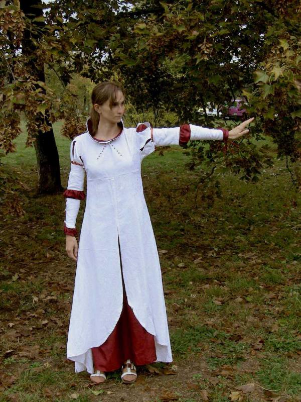 Střední šaty